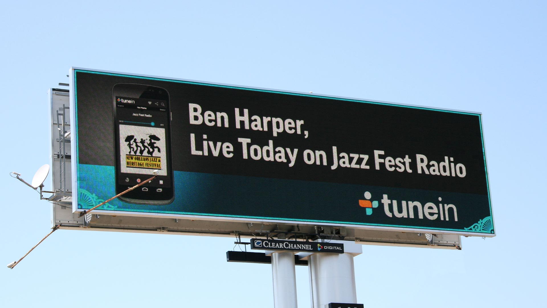 "TuenIn ""New Orleans Jazz Fest"" Digital Billboard Image"